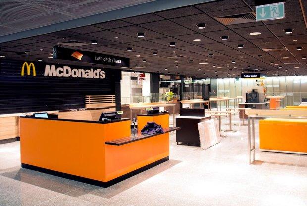Food court w nowej części Lotniska Chopina